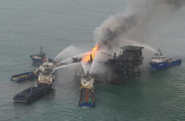 Министерство по чрезвычайным ситуациям продолжает принимать соответствующие меры по устранению последствий аварии на глубоководной платформе №10 месторождения «Гюнешли».